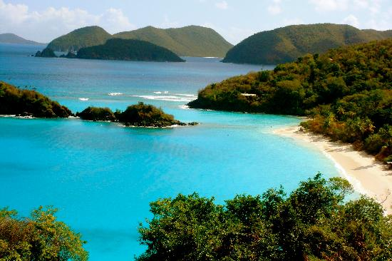 Star Villas: View of Trunk Bay- gets crowded with cruise ship visitors in the afternoon.