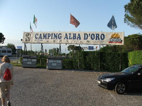 Alba D'Oro Camping: The entrance