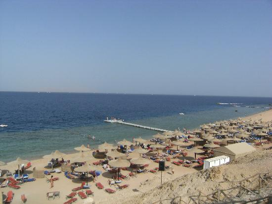 Sultan Gardens Resort: view of the beach