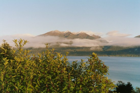 Те-Анау, Новая Зеландия: Leaving Te Anau views to mountains