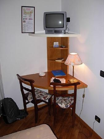 The Corner Desk Tv Stand Picture Of Hotel Tre Re Como Tripadvisor