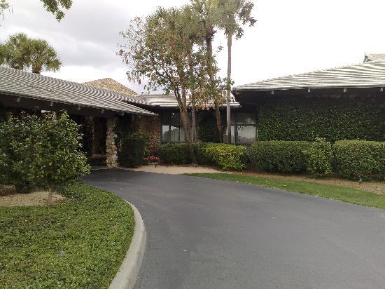 Arnold Palmer's Bay Hill Lodge: Main Entrance
