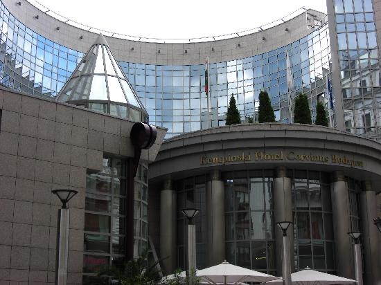 Kempinski Hotel Corvinus Budapest: fachada del hotel