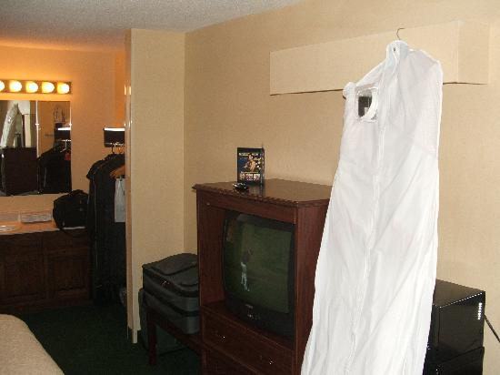 Quality Inn : View of TV area (white thing is mine)