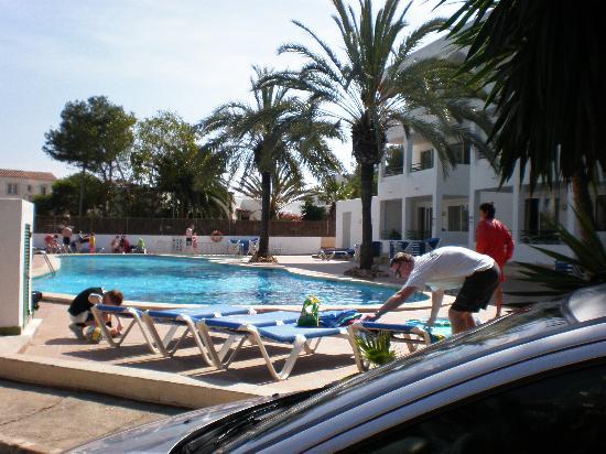 OLA Aparthotel Cecilia: Piscine hôtel