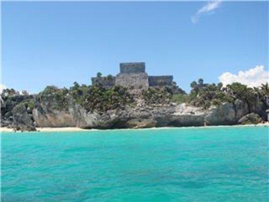 Yucatan Peninsula, México: ruina de tuum vista del mar