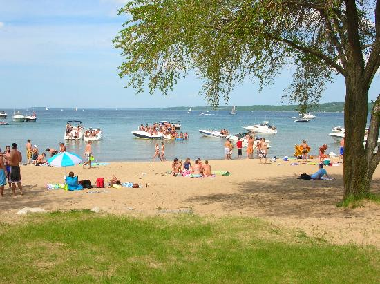 Traverse City, MI: Sandy Beach