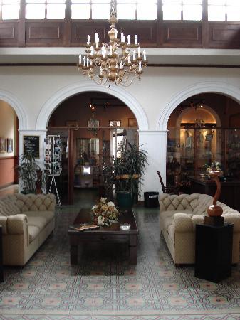Hotel Britannia: lobby