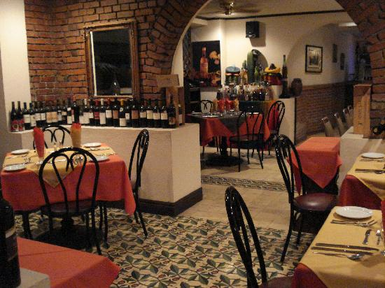 Hotel Britannia: restaurant - old wine cellar