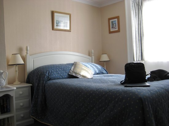Old Lyme Guest House:                                     Our room