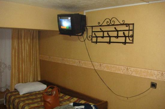Hotel Nezih: TV and 3rd bed
