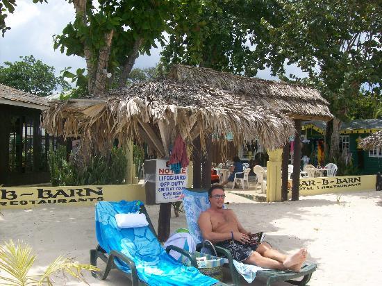 Bar-B-Barn: Surfing (internet) on the beach?