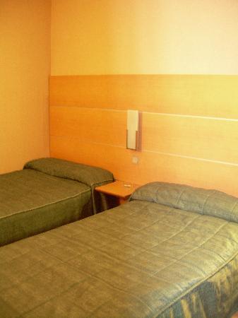Posadas de Espana Pinto: dormitorio 2 camas