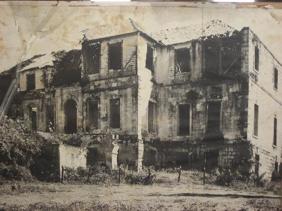 Rose Hall Great House : Picture of Rose Hall before restoration