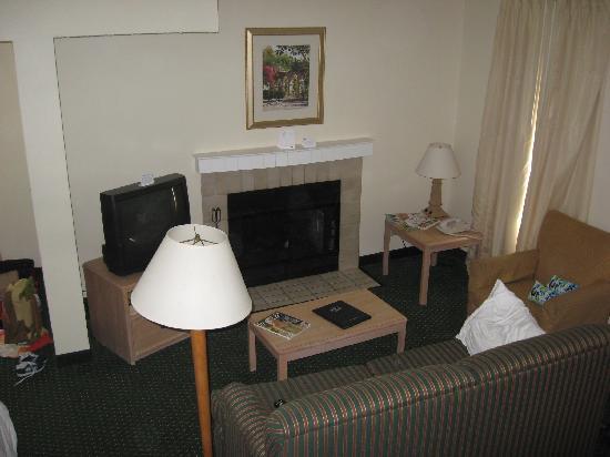 Residence Inn Boca Raton: living room in penthouse