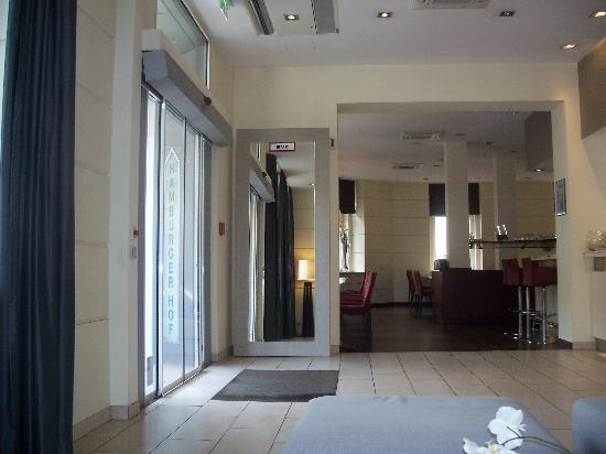 Hotel Hamburger Hof: The main lobby