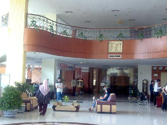 Golden View Hotel Batam: Lobby 1