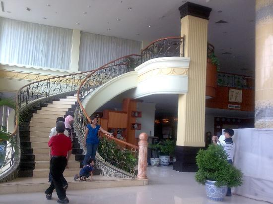 Golden View Hotel Batam: Lobby 2