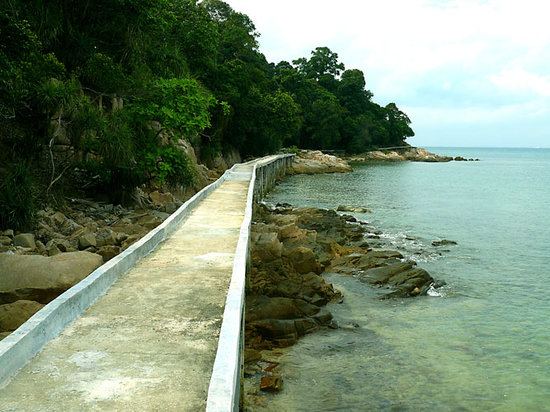 Turi Beach Resort: Walkway between Nongsa and Turi