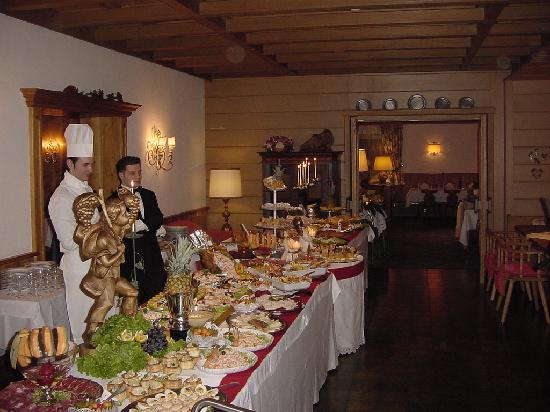 Hotel Pralong: New Years Eve buffet