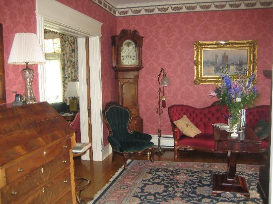 Lady of the Lake Bed and Breakfast : One of Lady's Sitting Rooms