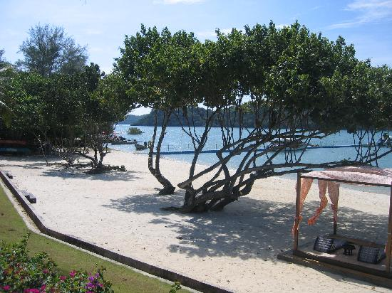 Chandara Resort & Spa: Beach