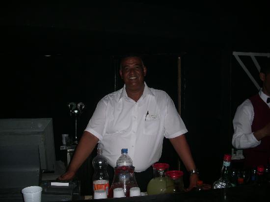 Hotel Les Quatre Saisons: der weltbeste Barkeeper