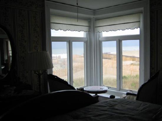 Addy Sea : Chairs seated at window, breeze and ocean sounds all night.