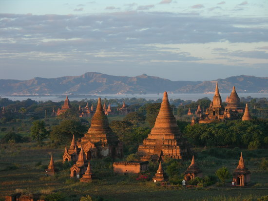 Bagan few moments after dawn