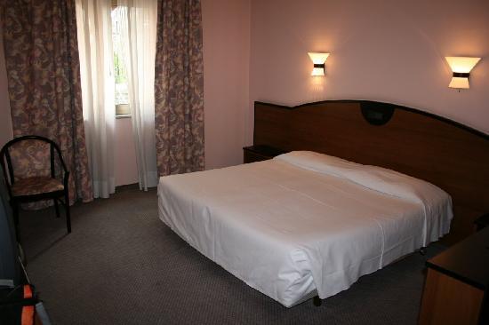 Best Western Grand Hotel Guinigi: Bedroom