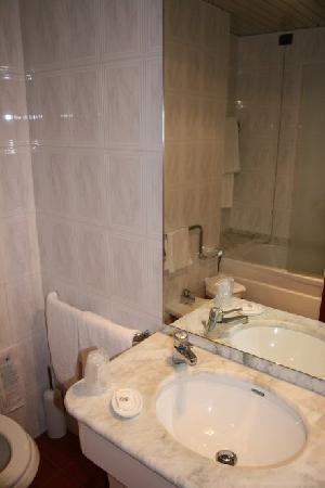 Best Western Grand Hotel Guinigi: Bathroom
