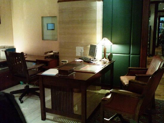 Howard Plaza Hotel Kaohsiung: Check-in desk