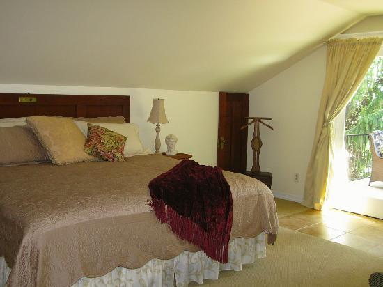 Wine Country Inn Bed & Breakfast: Upstairs Room