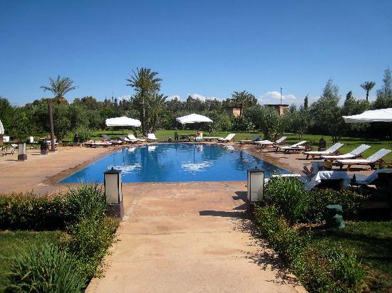 La Villa des Golfs: pool