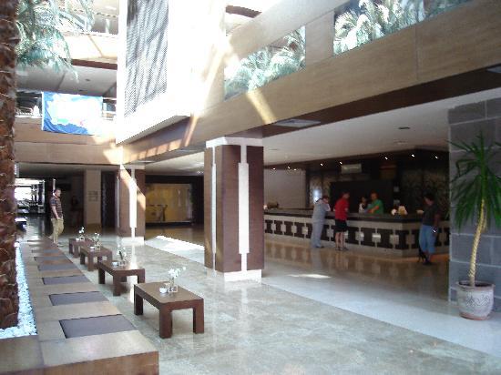 Club Calimera Serra Palace: hall d'entrée