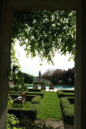 Clos Saint Esteve : View of the Pool