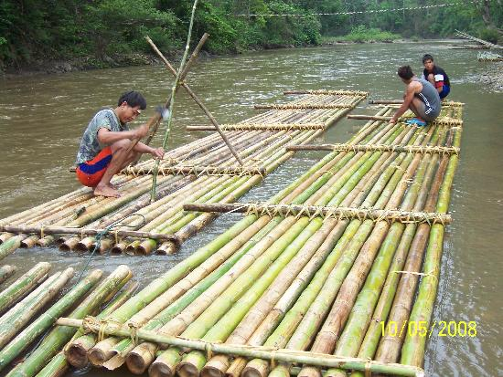 Libra Guest House: bamboo rafts