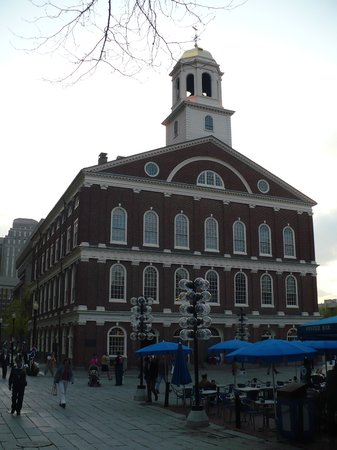 ‪Faneuil Hall Marketplace‬
