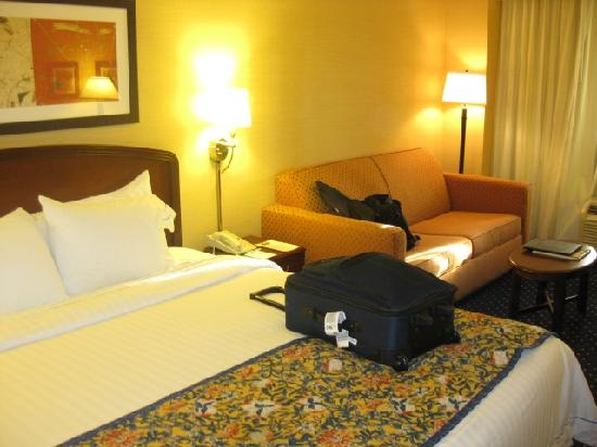 Courtyard by Marriott Riverside UCR/Moreno Valley Area: guestroom