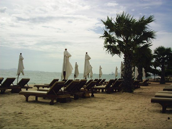 Ravindra Beach Resort & Spa: playa