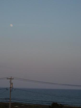 Beach Plum Resort : At sunset