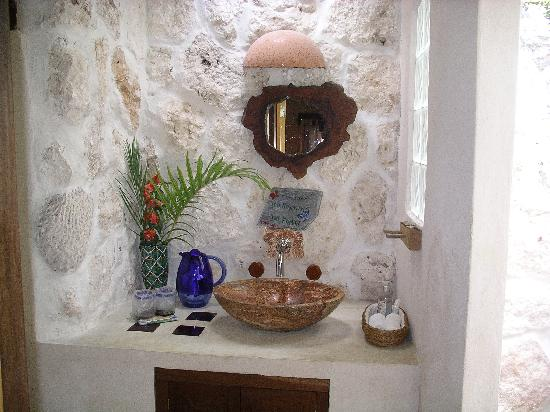 La Selva Mariposa : The charming bathroom