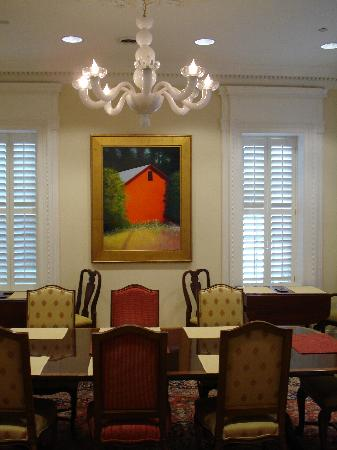 Embassy Circle Guest House: Dining Room