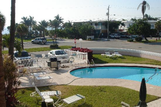 Coral Key Inn: Oceanview from the 1st floor