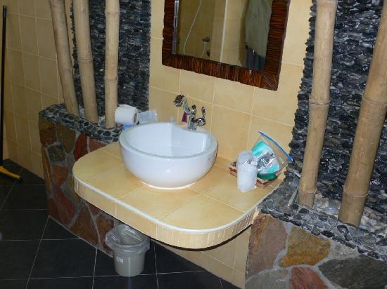 Oriental Kwai Resort: Garden Room Cottage - Bathroom