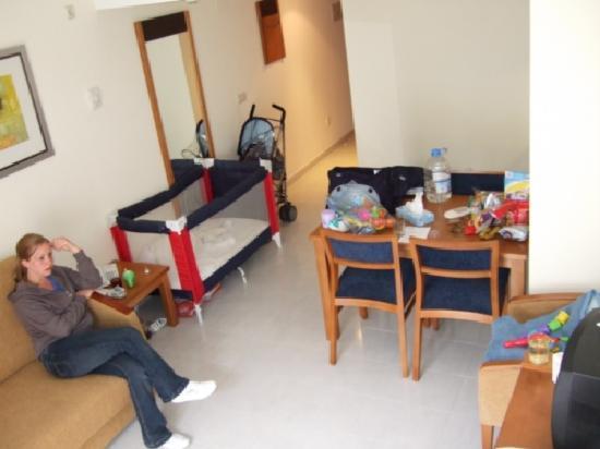 Hipotels Coma Gran Aparthotel: hotel room