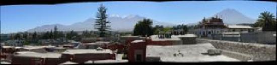 Hostal La Reyna: Panorama vom Klostedach, rechts das etwas höhere Gebäude ist das Hostel!