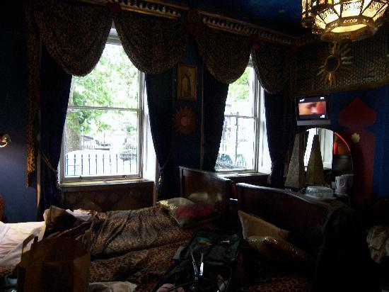 Pavilion Hotel: Casablanca Nights