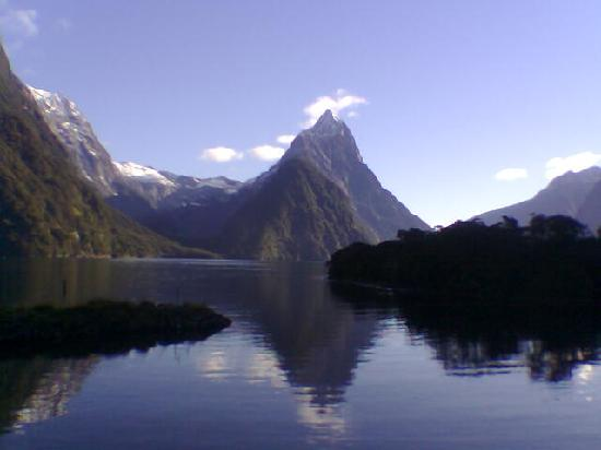 Milford Sound, looked amazing even on a carmera phone