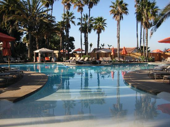 Pool area picture of hilton san diego resort spa san for 7 image salon san diego